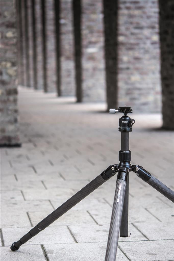 Highlights C-1740 Carbon Tripod 4 Sections